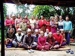 Die erste Teilnehmer-Gruppe im Agroforest-Projekt Kaule